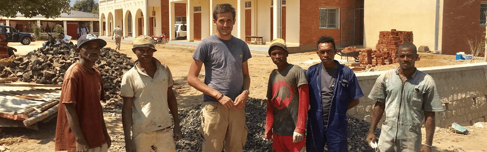 Les Batisseurs D Ici madagascar, des bâtisseurs d'espoir - emission rcf